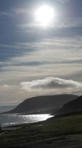 Kveldens mål, Iversenfjellet badet i sol og med hatt på.