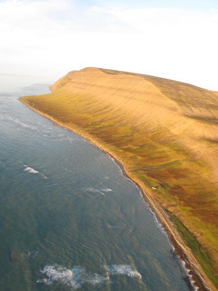 Bjørnstranda og Kollerfjellet sett fra Sea King fra 330 skv.