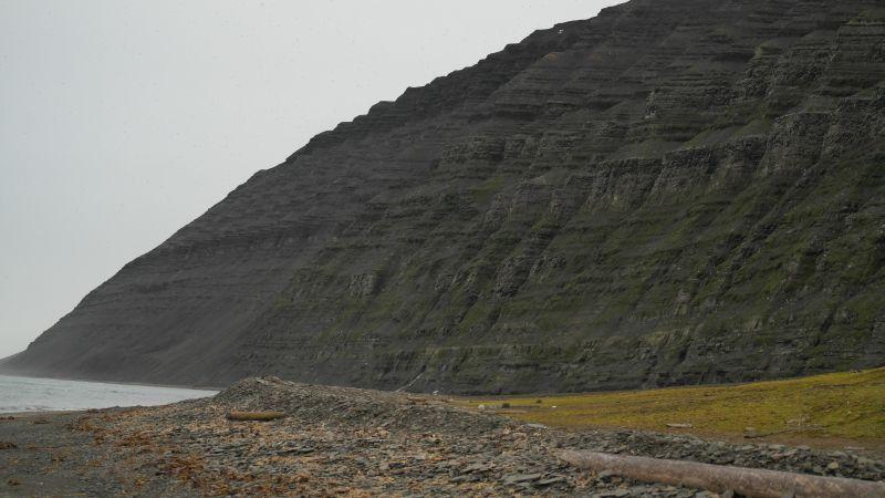 Fuglefjellet under Kollerfjellet som kan sees fra Bjørnstranda.