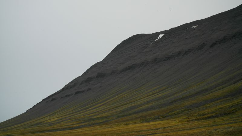 Kollerfjellets topp sett fra Bjørnstranda.