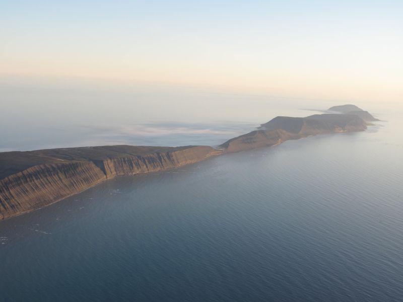 Til venstre på bildet sees Blåfjell, så Thorkilsenskaret og videre Småhumpen.