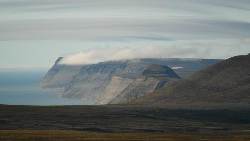 Småhumpen sett fra toppen av Kollerfjellet.