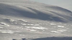 Haftor pakker ned kameraet før utfor ned fra Iversenfjellet til Bekkeskaret. Foto: Bjørn Ove Finseth