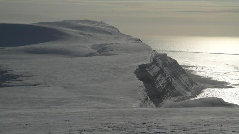 Iversenfjellet og Kvasstoppen til høyre.