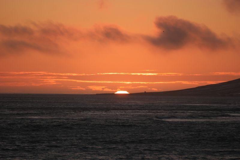 Så var sola på vei ned igjen over Koefoedodden og Sørhytta.